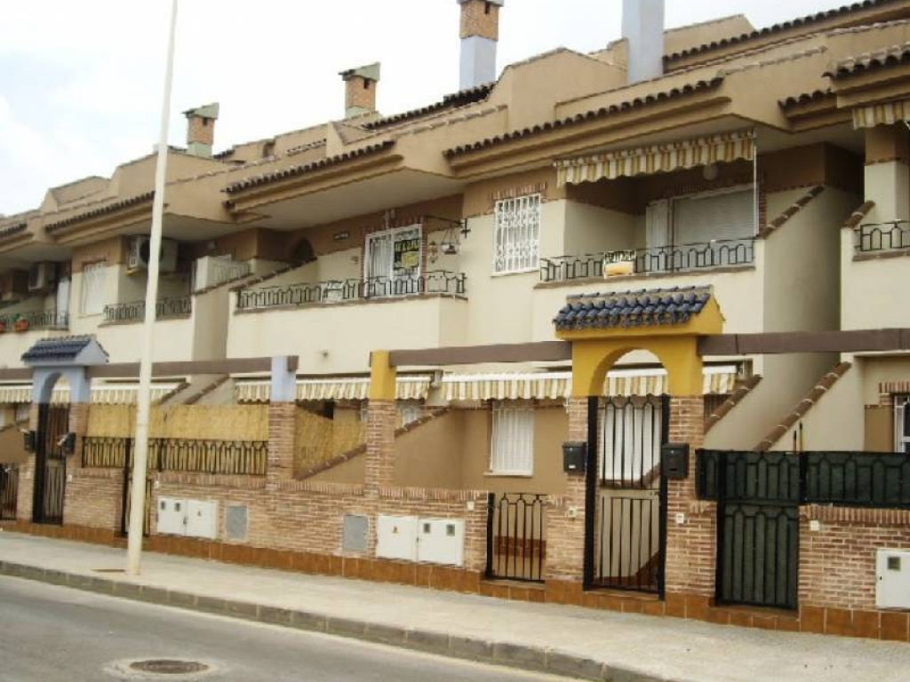 3 Bedroom 2 Bathroom Townhouse in Los Alcazares