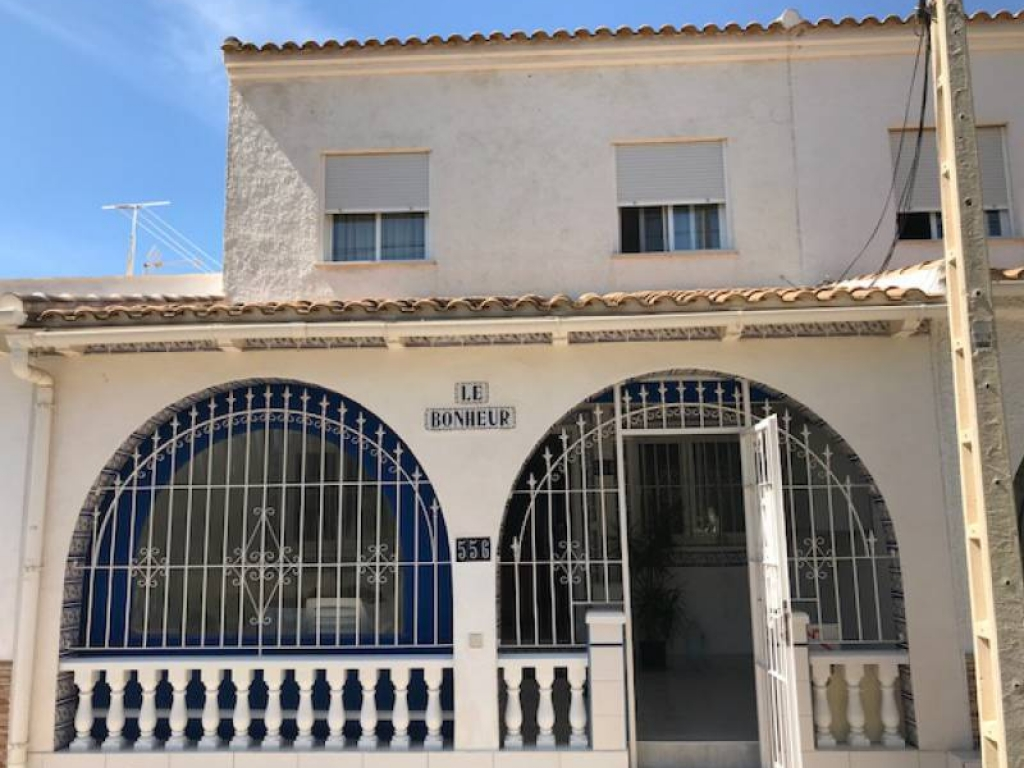 3 Bedroom 2 Bathroom Bungalow in Los Alcazares