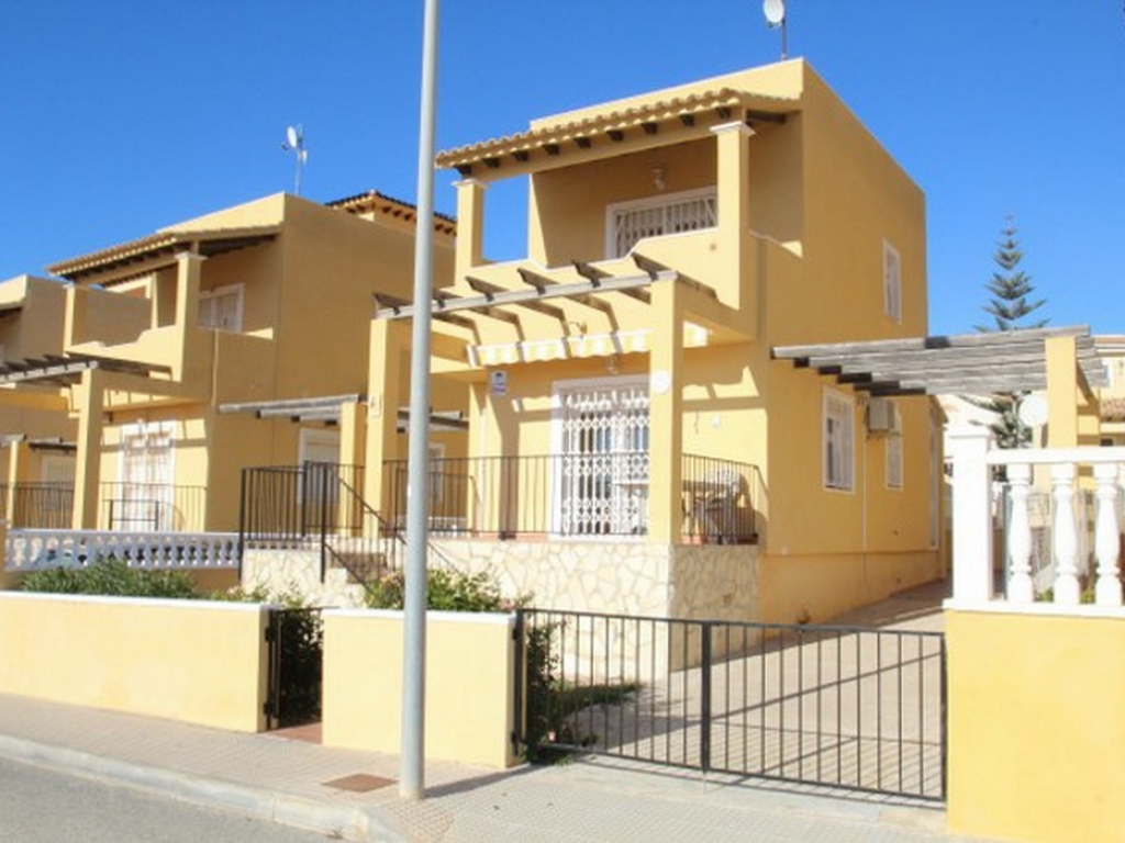 Villamartin 3 Bedroom 2 Bathroom Villa in Lomas Del Golf