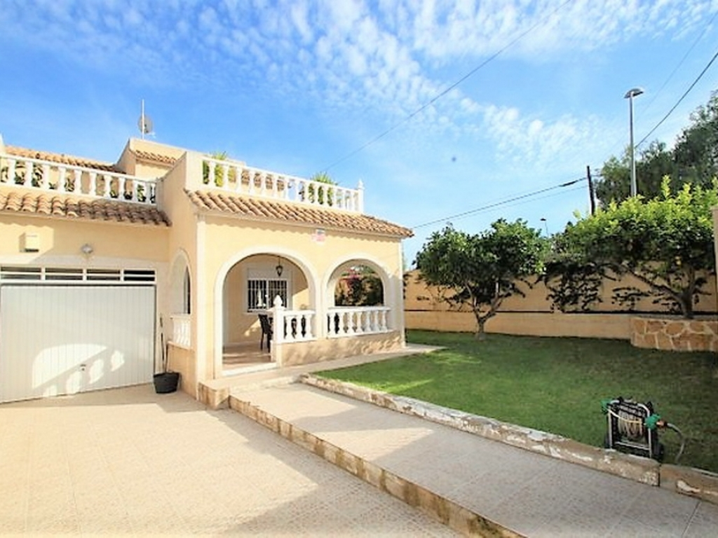 los_balcones_detached_villa_for_sale_torrevieja_2549_01