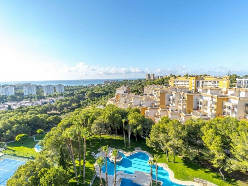 3 Bedroom 2 Bathroom Penthouse in Campoamor