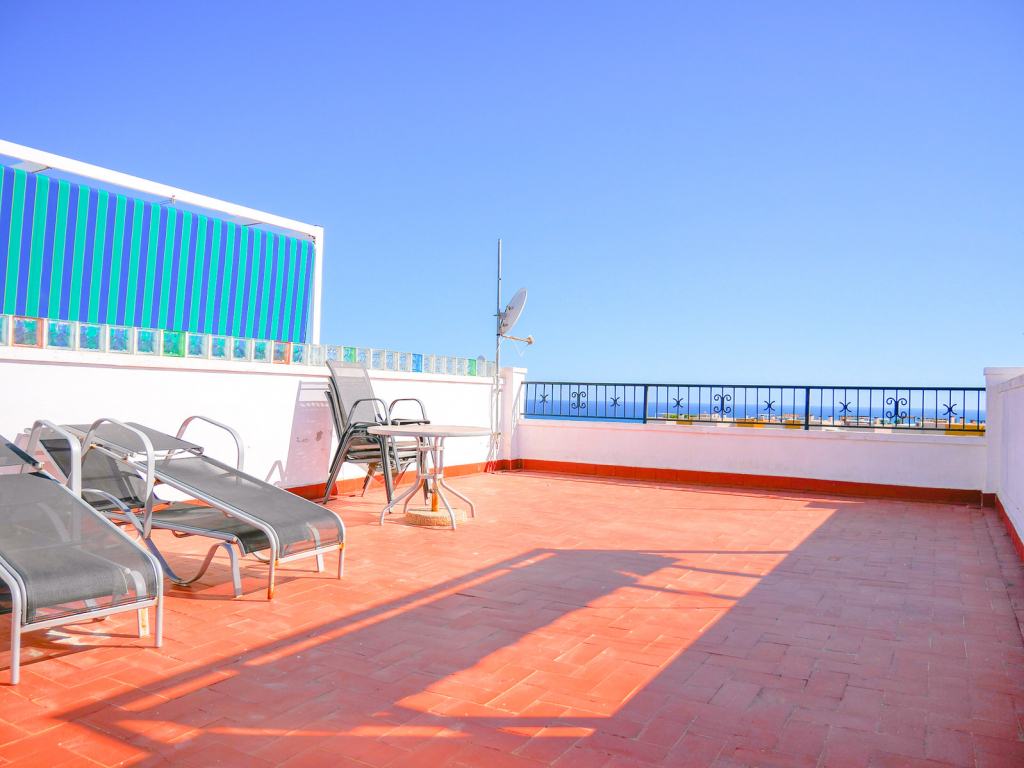 2 Bedroom 1 Bathroom top floor apartment in Playa Flamenca