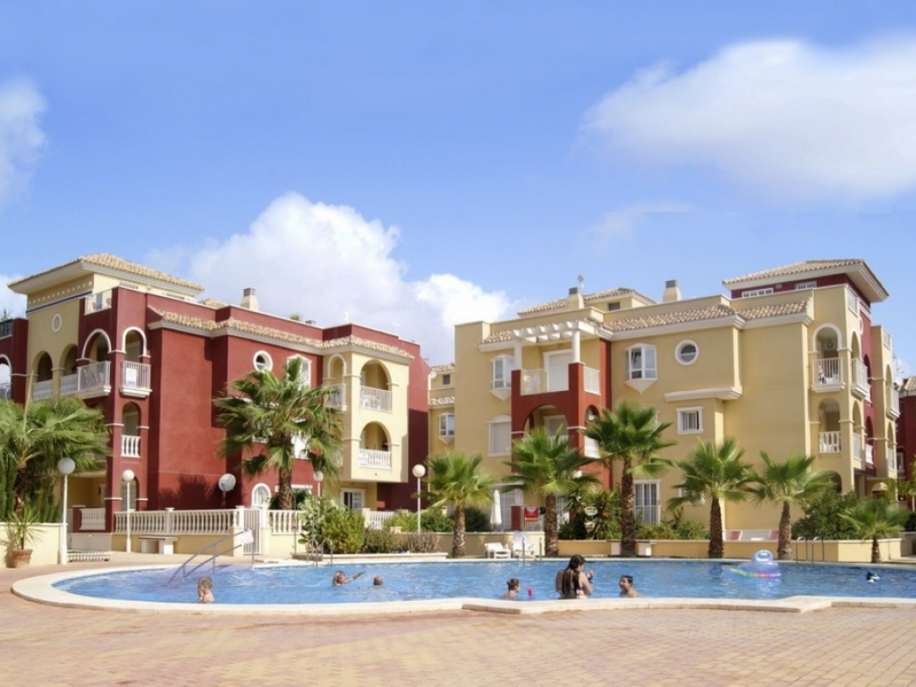 2 Bedroom 2 Bathroom ground floor apartment in Los Alcazares